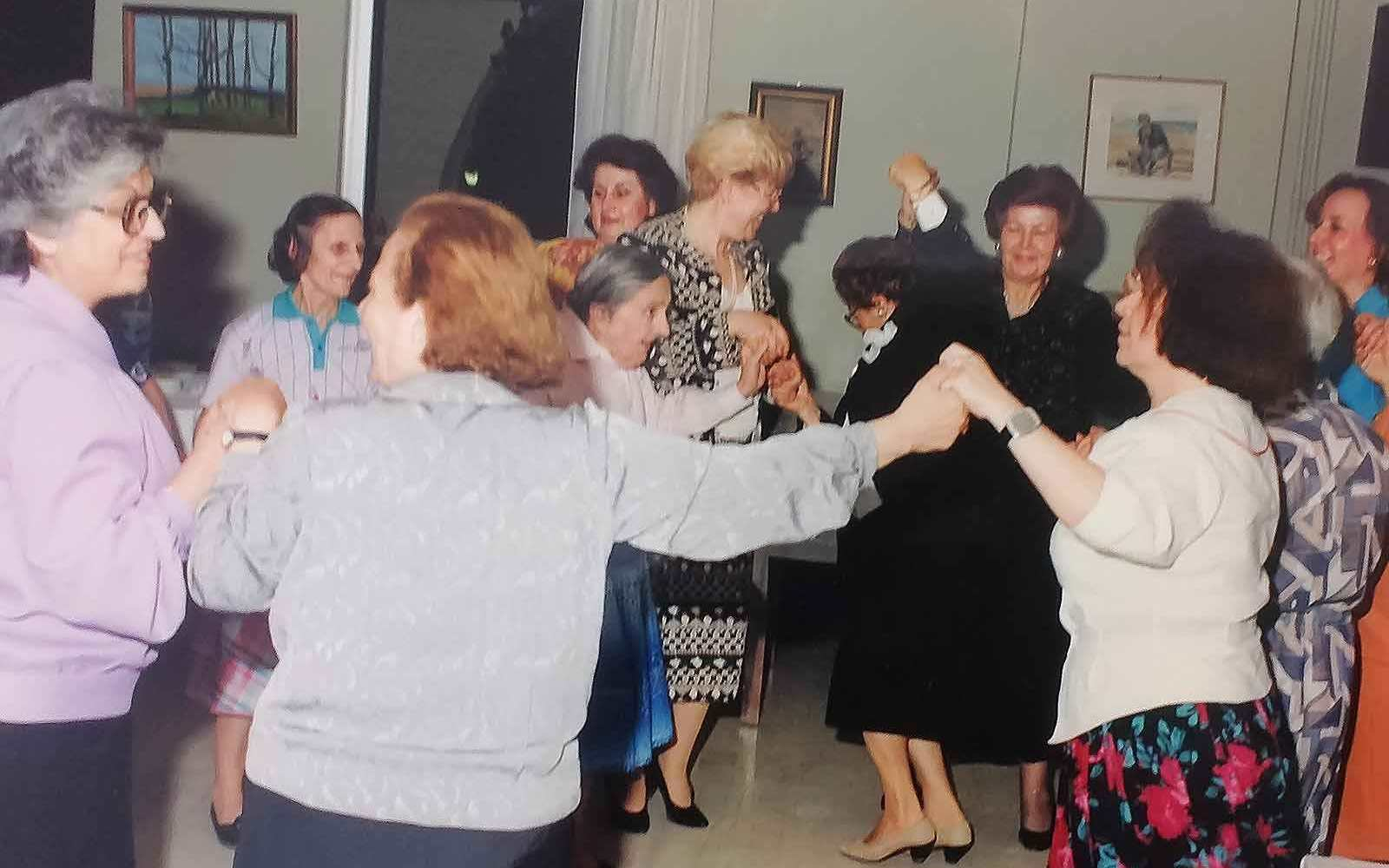 koula-rogdaki-charity-old-people-enosi-gynaikon-patras