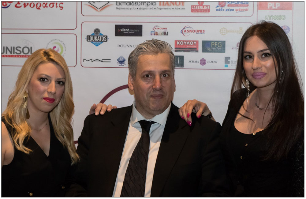 Ο Γιώργος Διαμαντόπουλος με τις δημοσιογράφους κα Μαρία Ανδριέλου (αριστερά) και την Δήμητρα Μπαλαφούτη (δεξιά)::::Giorgos Diamantopoulos with the reporters mrs. Maria Andrielou (left) and Dimitra Mpalafouti (right)