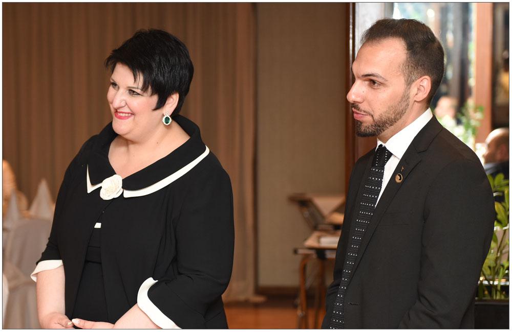 Χαμόγελα επιτυχίας από την Πρόεδρο Άννα Μαρία Ρογδάκη και τον Υπεύθυνο Τύπου και Δημοσίων Σχέσεων Γιώργο Παπαδημητρακόπουλο::::Success smiles from the President Anna Maria Rogdaki and the Press officer and Public Relations Giorgo Papadimitrakopoulo