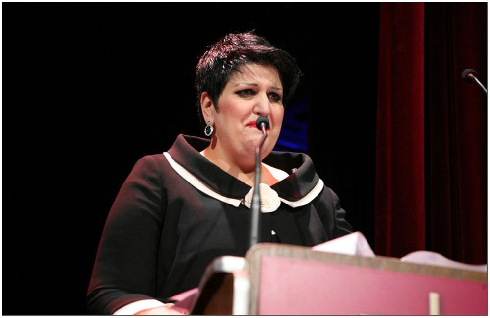 Τεράστια η συγκίνηση από την Πρόεδρο κα Άννα Μαρία Ρογδάκη όταν αναφέρθηκε στην μητέρα της και Ιδρύτρια της Ε.ΓΥ.ΠΑ.::::A huge thrill from the Chairman, mrs. Anna Maria Rogdaki when she mentioned her mother and Founder of Patras Women Union