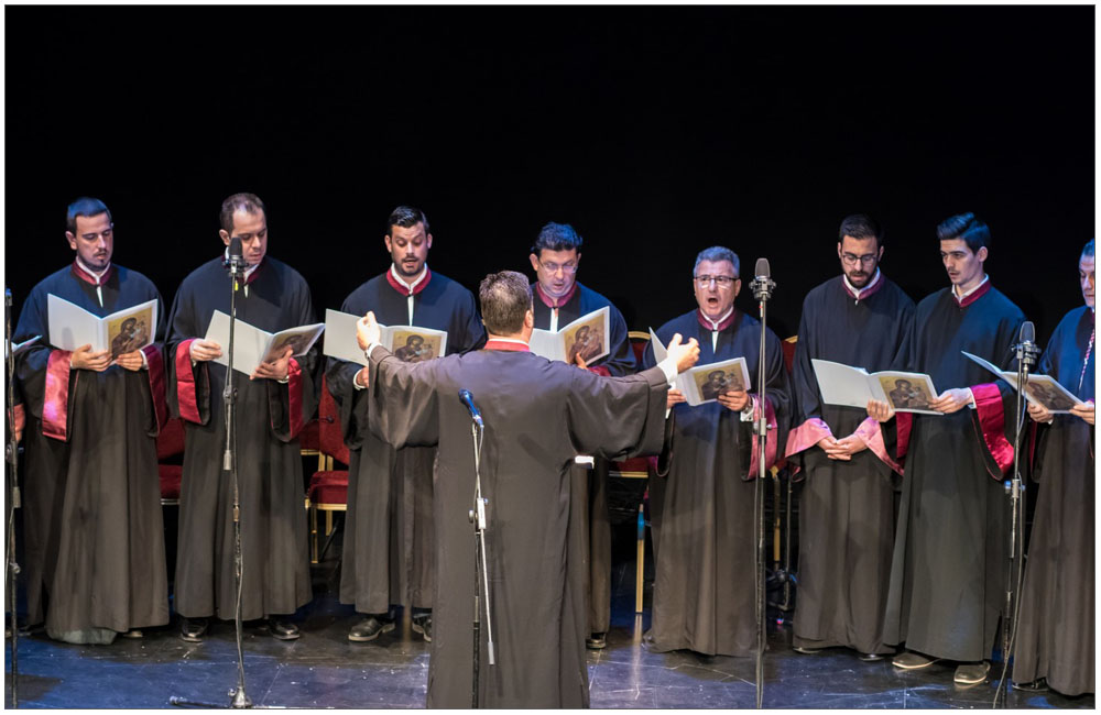 Ύμνος προς την Μητέρα όλων μας την Θεοτόκο από την Βυζαντινή Χορωδία υπό την Δ/νση του Πρωτοψάλτη κ. Σπύρου Σκιαδαρέση::::Hymn to the Mother of us all, the Virgin Mary by a Byzantine Choir under the direction of Cantor, mr. Spyros Skiadaresi