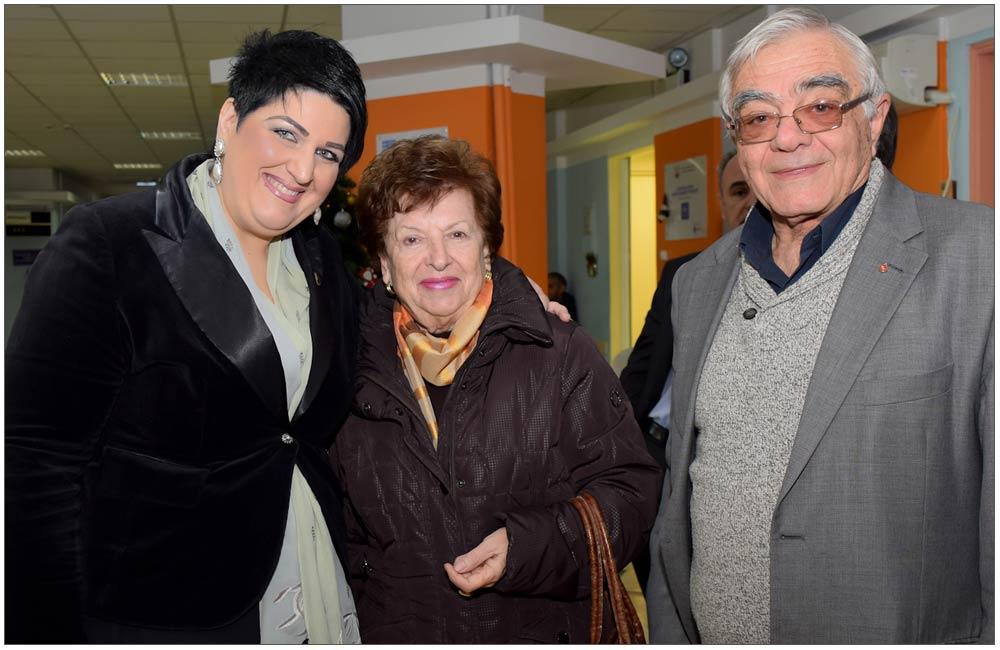 'Αννα Μαρία Ρογδάκη με το ζεύγος Πολυκρέτη ::::Anna Maria Rogdaki with Polikreti couple