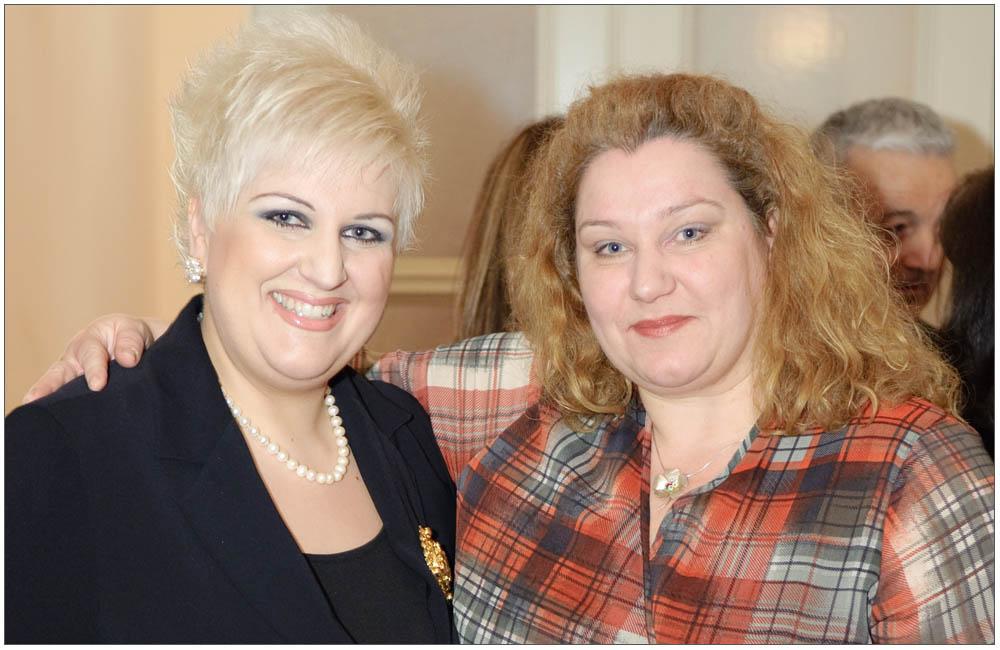 Φιλία δύο δεκαετιών συνδέει την Πρόεδροκα Άννα Μαρία Ρογδάκη και την Γενική Γραμματέα κα Ρούλα Μιχαλοπούλου:::: Two decades friendship connects the President κα Anna Maria Rogdaki and the General Secretary, mrs Roula Michalopoulou
