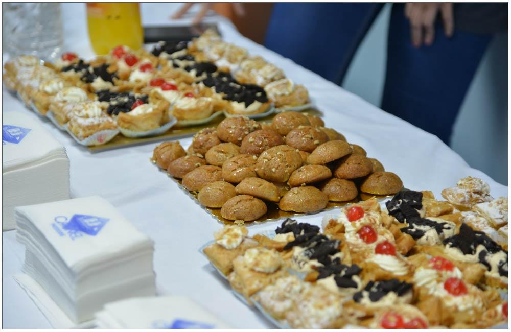 Λιχουδιές από τα Ζαχαροπλαστεία Caravel::::Delicacies from the Pastry shop Caravel