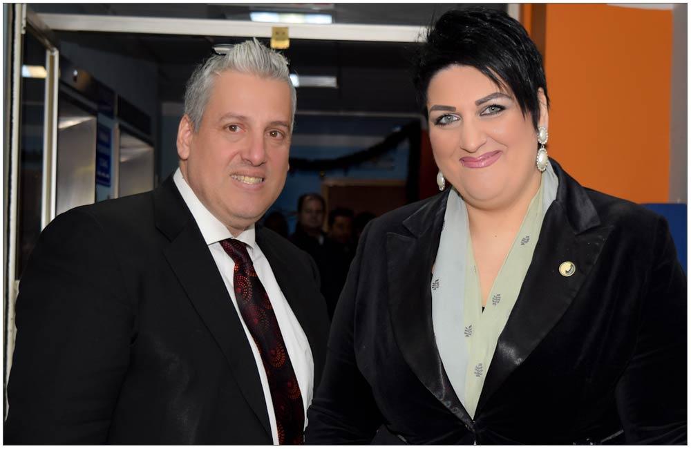 Πάντα δίπλα της ο σύζυγος της Προέδρου Γιώργος Διαμαντόπουλος::::Always next to her, President's husband Giorgos Diamantopoulos