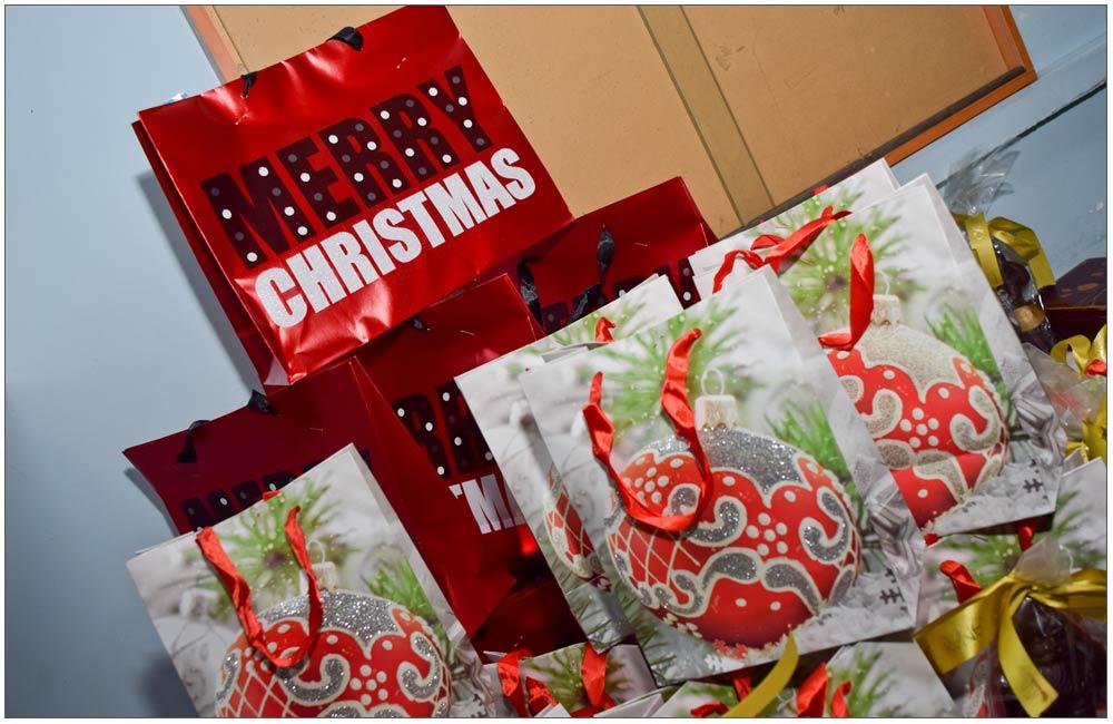 Τα δώρα προσφορά της Euroline Σταύρος Μπακολιάς::::The gifts, offered by Euroline Stavros Bakolias