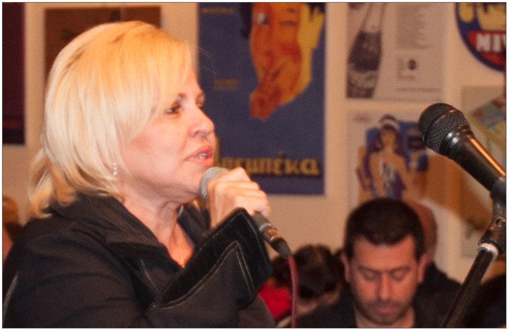 η Μπέσυ Αργυράκη μάγεψε με την φωνή της::::Bessie Argyraki enchanted everyone with her voice