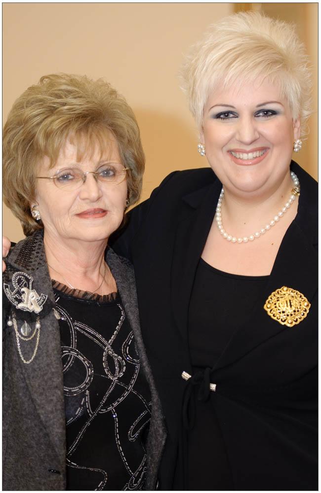 Η Πρόεδρος της Ε.ΓΥ.ΠΑ. με την θεία της κα. Ρένα Ρογδάκη::::The President of Patras Women Union with her aunt mrs Rena Rogdaki