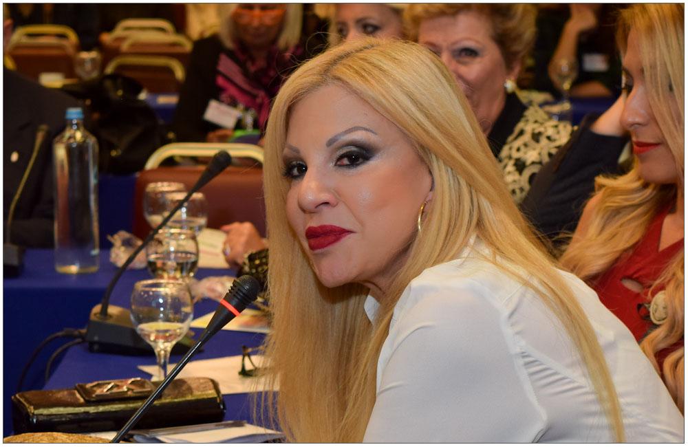 Η κα Βίκυ Πόθου Σφακιανάκη, καταξιωμένη δημοσιογράφος σε Αθηναϊκά ΜΜΕ::::Mrs Viki Pothou Sfakianaki, acclaimed journalist in many Athenian Media