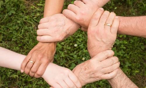 We-Help-Valnuarble-Social-Groups